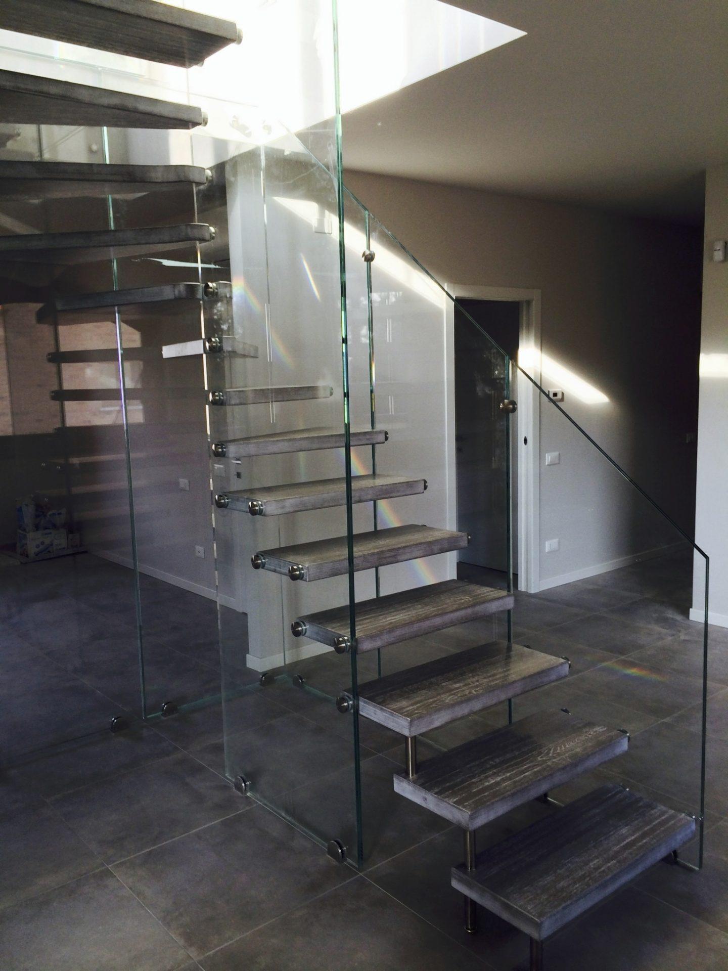 scala-speciale-in-vetro