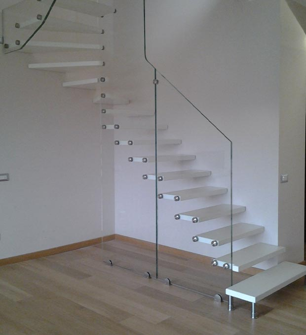 scala-a-sbalzo-vetro