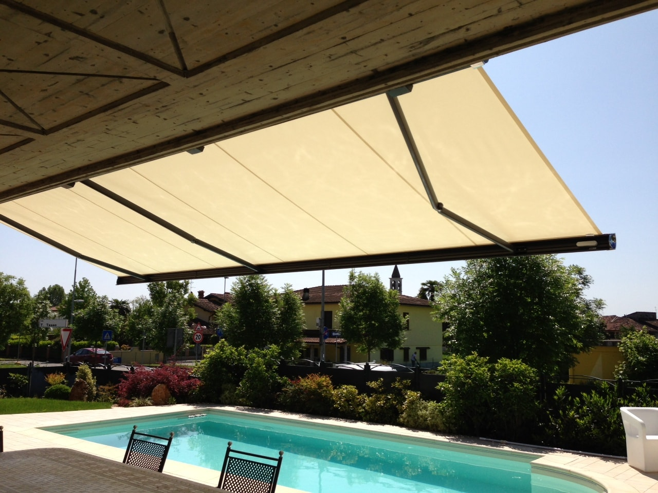 markilux-tenda-da-sole-piscina